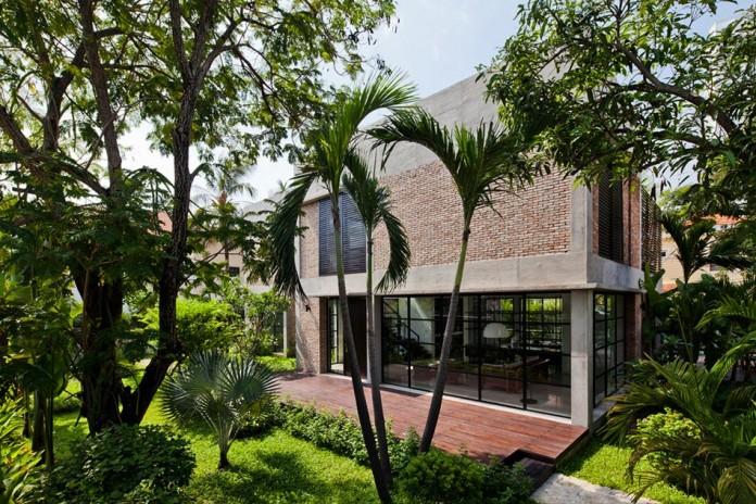 Kobe-1-villa-renovation-by-MM-++-Architects-01