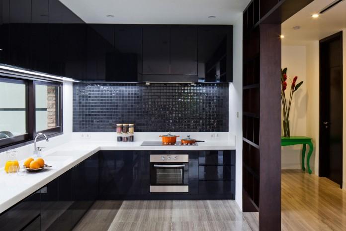 Kobe-1-villa-renovation-by-MM-++-Architects-13
