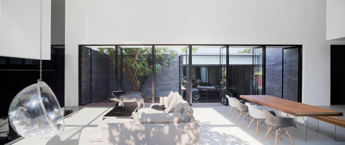 LSR113-House-by-Ayutt-and-Associates-design-12