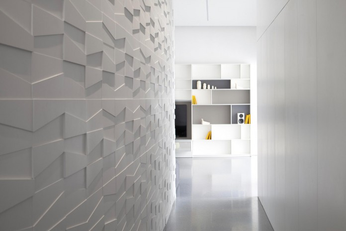Layers-of-White-by-Pitsou-Kedem-Architects-09