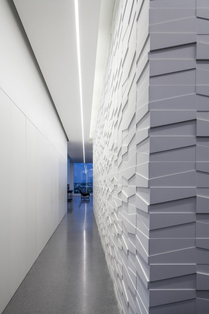 Layers-of-White-by-Pitsou-Kedem-Architects-21