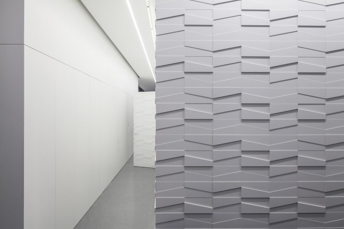 Layers-of-White-by-Pitsou-Kedem-Architects-22
