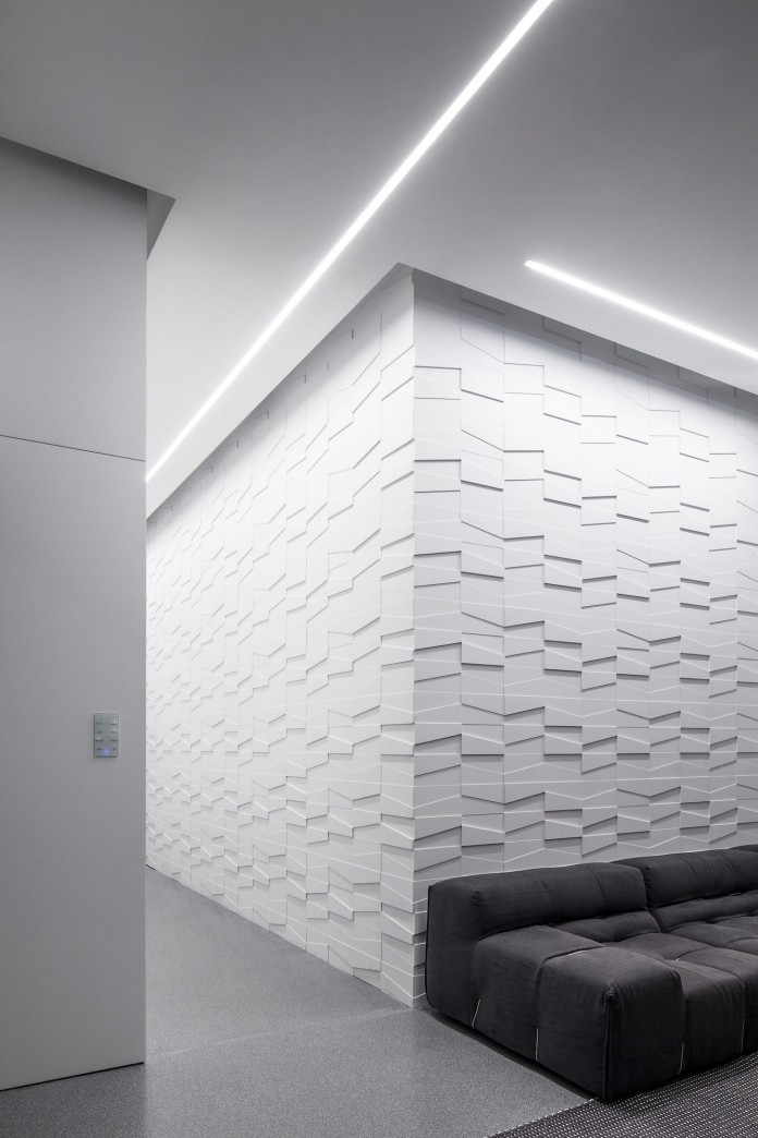 Layers-of-White-by-Pitsou-Kedem-Architects-23
