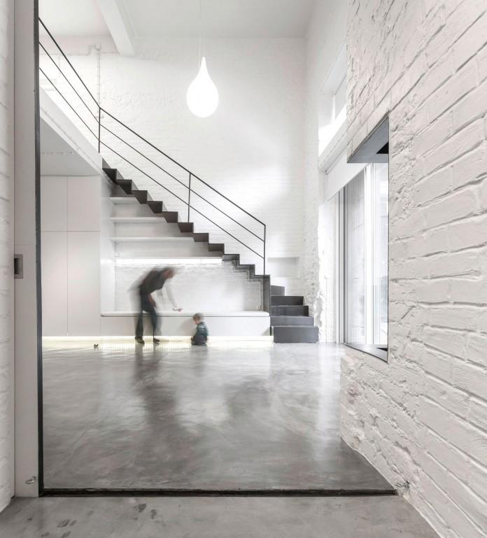Minimalist-Black-and-White-Anjos-Loft-by-João-Tiago-Aguiar-02