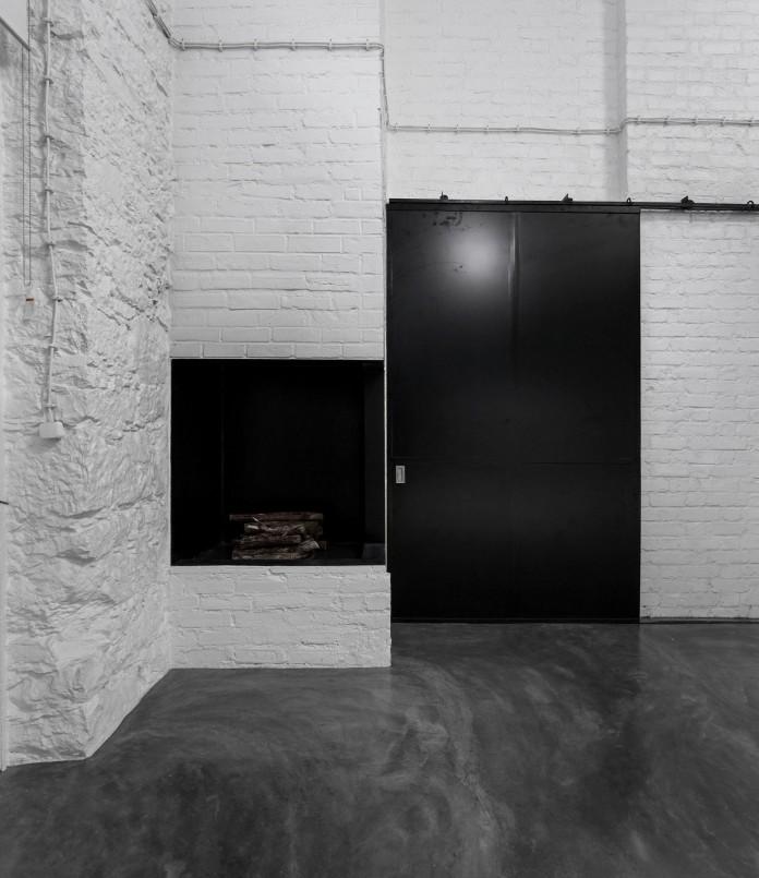 Minimalist-Black-and-White-Anjos-Loft-by-João-Tiago-Aguiar-05