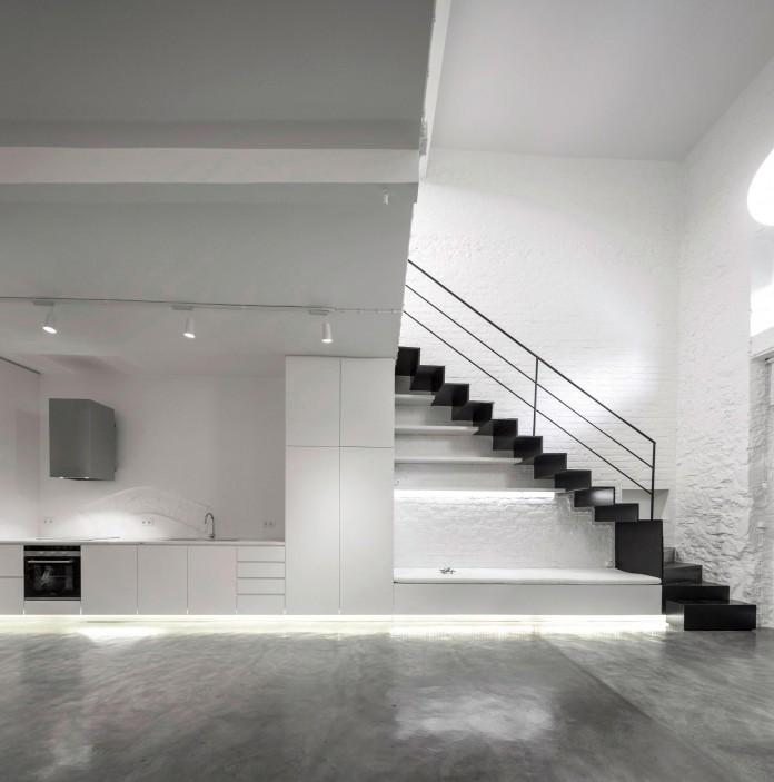 Minimalist-Black-and-White-Anjos-Loft-by-João-Tiago-Aguiar-06