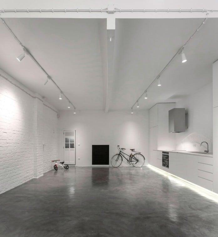 Minimalist-Black-and-White-Anjos-Loft-by-João-Tiago-Aguiar-07