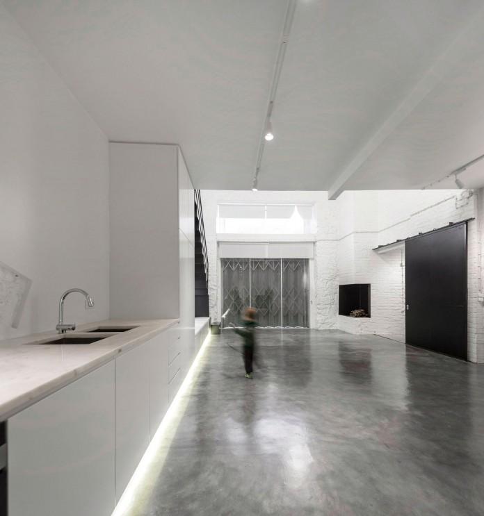 Minimalist-Black-and-White-Anjos-Loft-by-João-Tiago-Aguiar-10