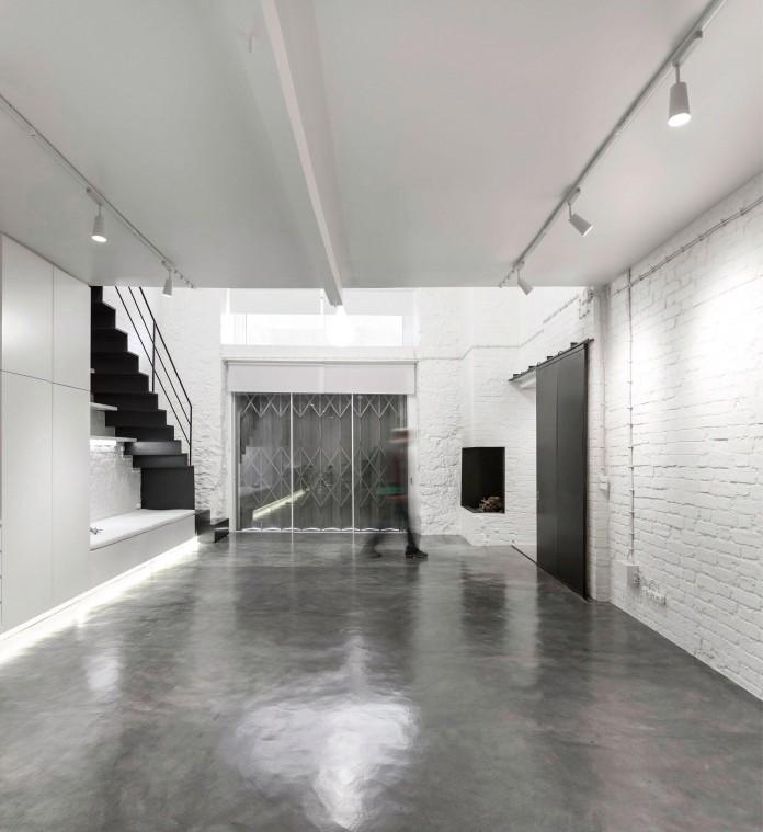 Minimalist-Black-and-White-Anjos-Loft-by-João-Tiago-Aguiar-11