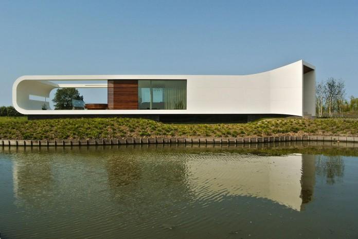 Modern-New-Water-Villa-by-Waterstudio-NL-02