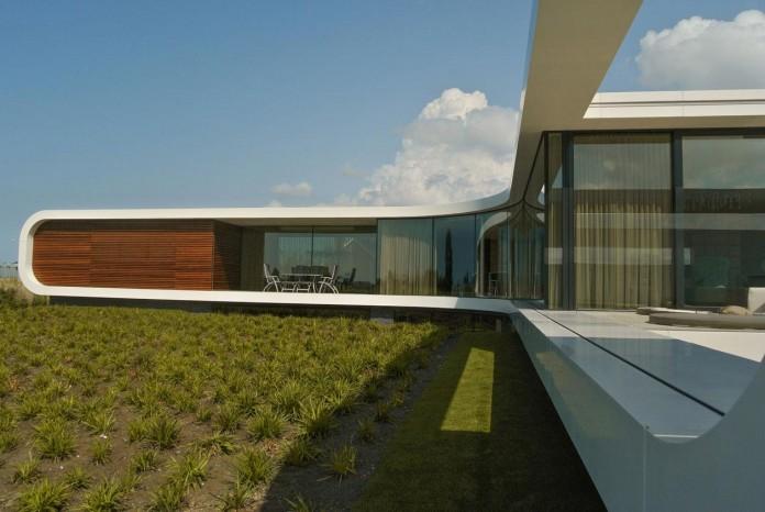 Modern-New-Water-Villa-by-Waterstudio-NL-04