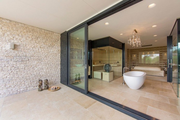 Modern-New-Water-Villa-by-Waterstudio-NL-11
