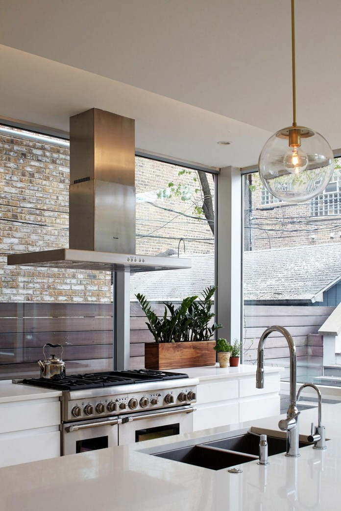 Modern-renovation-of-Webster-House-in-Lincoln-Park-by-Hufft-Projects-15