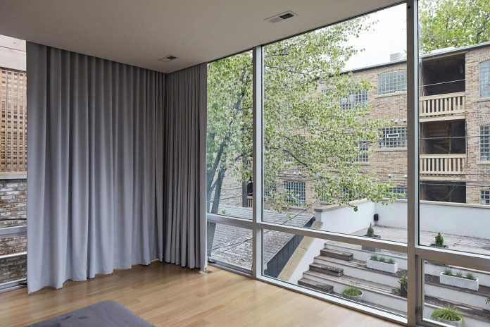Modern-renovation-of-Webster-House-in-Lincoln-Park-by-Hufft-Projects-20