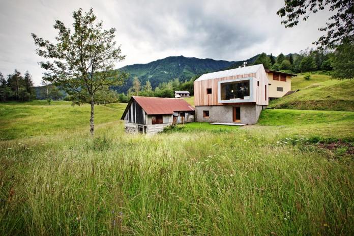 Mountain-residence-in-Paluzza-by-Ceschia-e-Mentil-Architetti-Associati-01