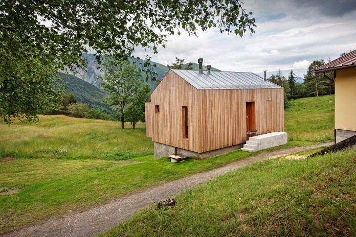 Mountain-residence-in-Paluzza-by-Ceschia-e-Mentil-Architetti-Associati-02