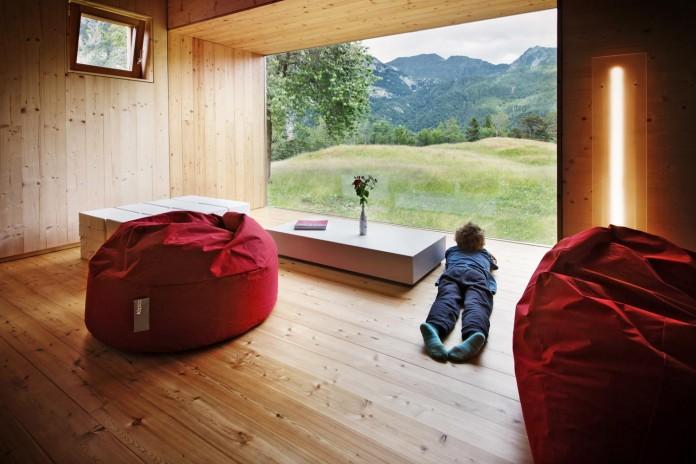 Mountain-residence-in-Paluzza-by-Ceschia-e-Mentil-Architetti-Associati-05