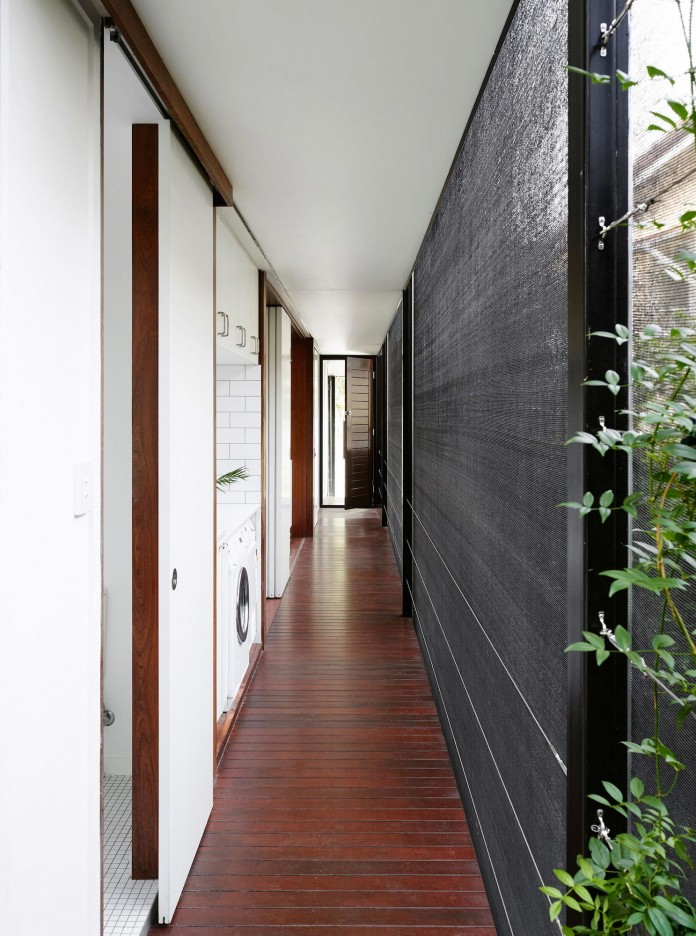 Oxlade-Drive-House-by-James-Russell-Architect-04