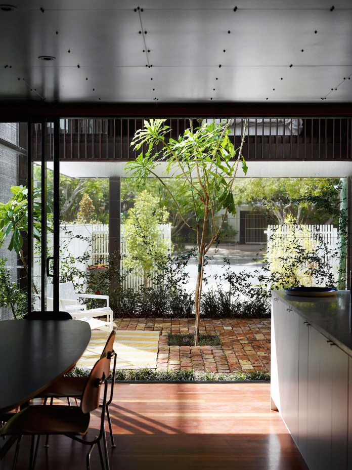 Oxlade-Drive-House-by-James-Russell-Architect-06