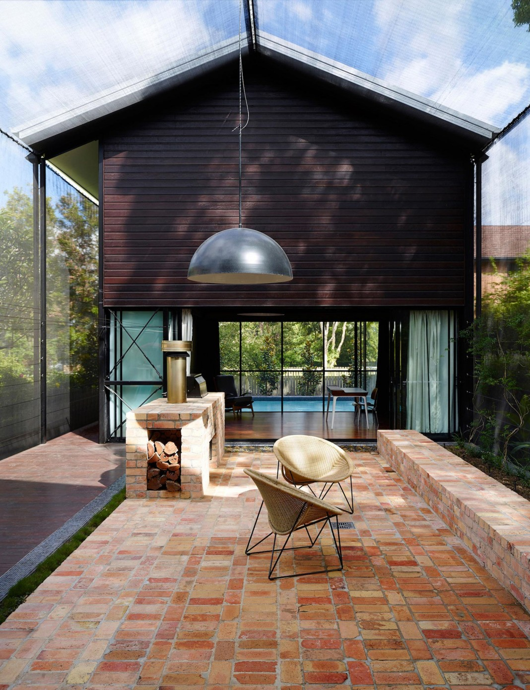 Oxlade Drive House by James Russell Architect