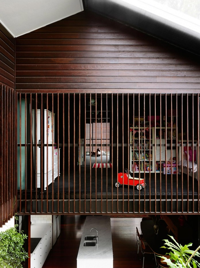 Oxlade-Drive-House-by-James-Russell-Architect-18