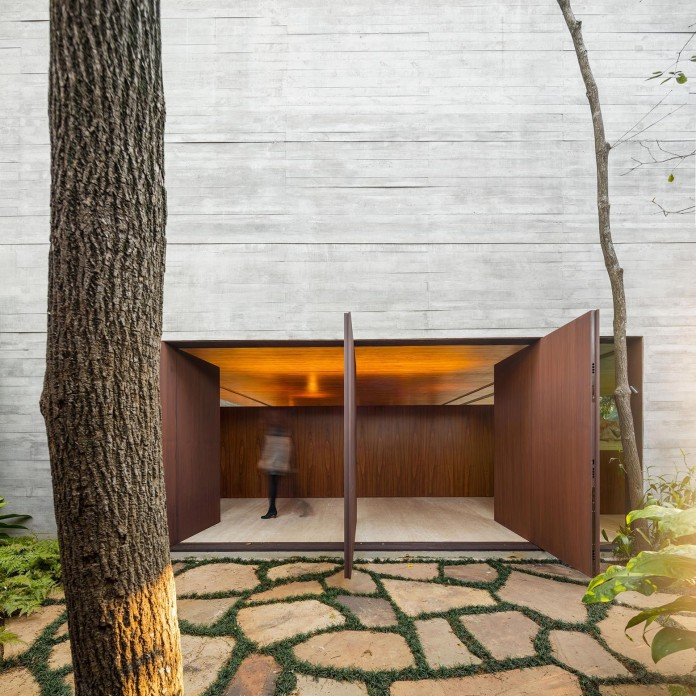Ramp-House-by-Studio-mk27---Marcio-Kogan-+-Renata-Furlanetto-02