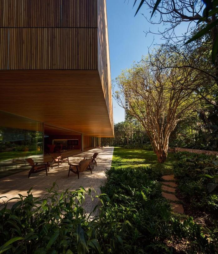 Ramp-House-by-Studio-mk27---Marcio-Kogan-+-Renata-Furlanetto-10