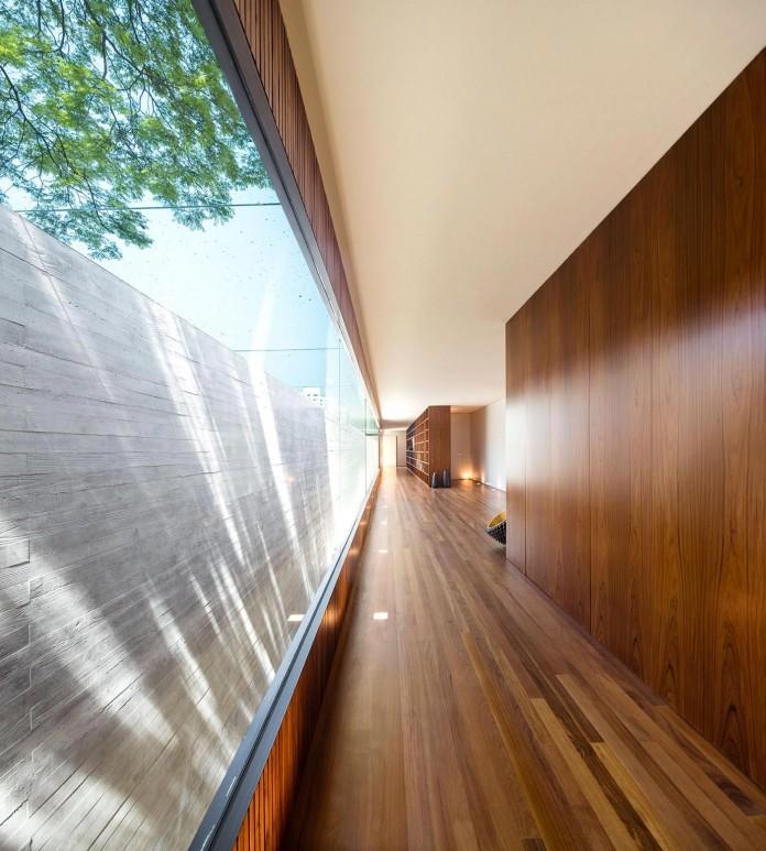 Ramp-House-by-Studio-mk27---Marcio-Kogan-+-Renata-Furlanetto-32