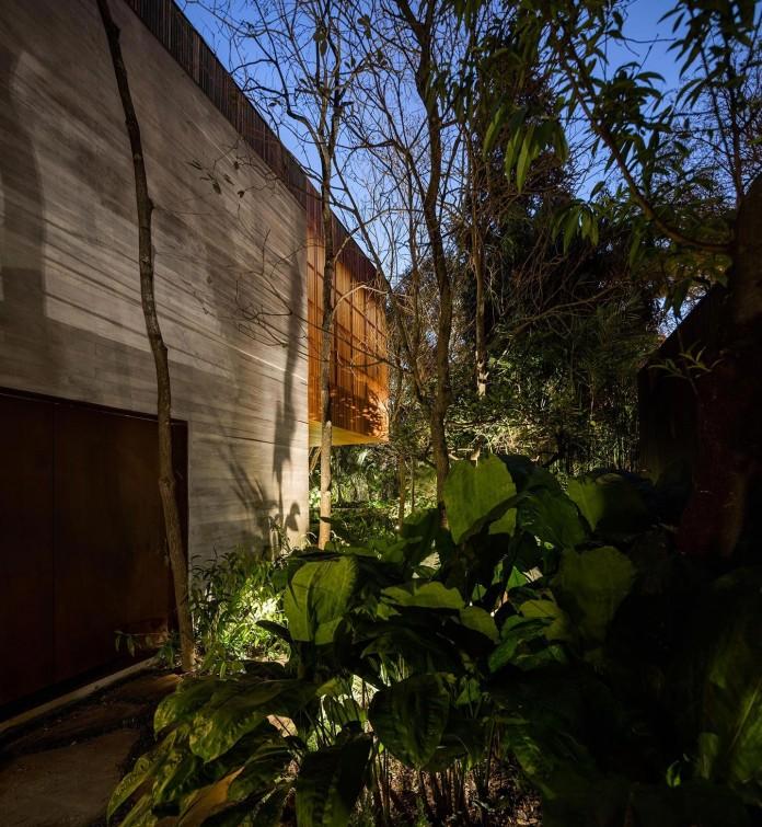 Ramp-House-by-Studio-mk27---Marcio-Kogan-+-Renata-Furlanetto-43