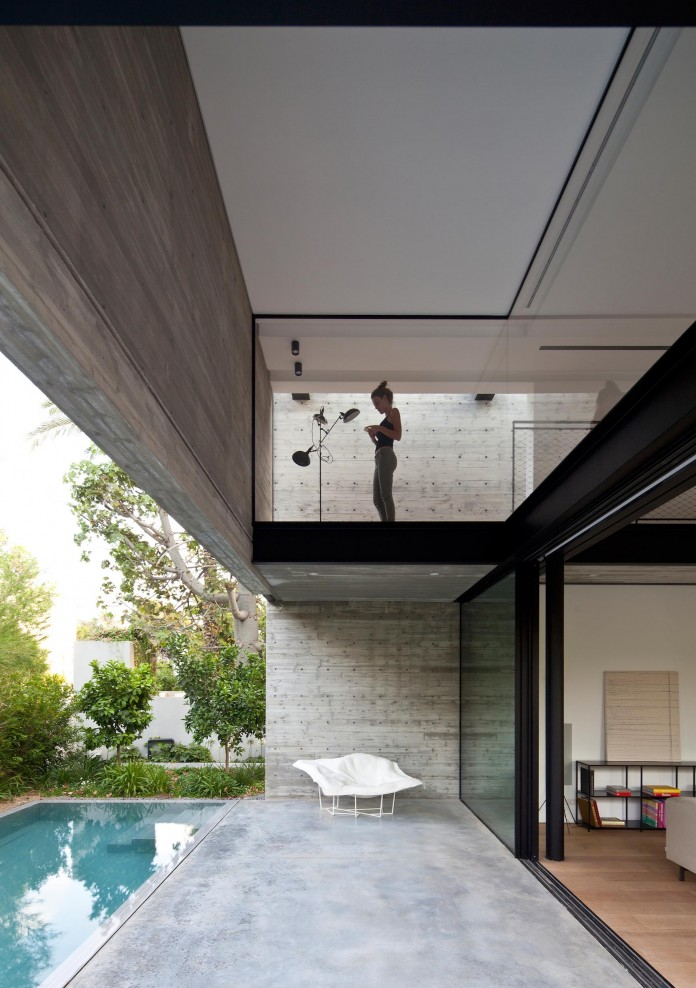 SB-House-by-Pitsou-Kedem-Architects-09