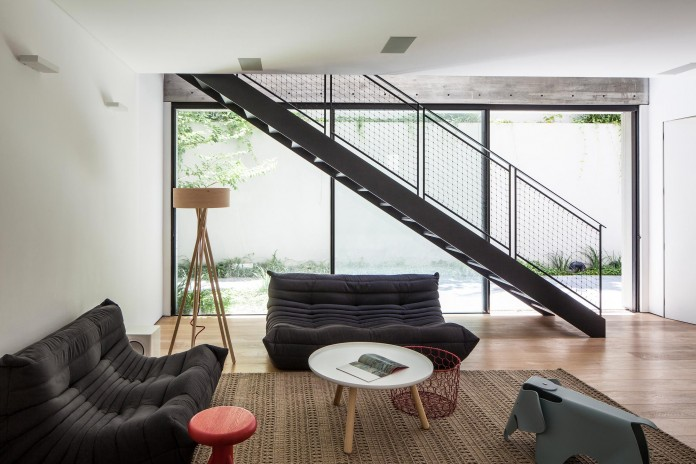 SB-House-by-Pitsou-Kedem-Architects-14