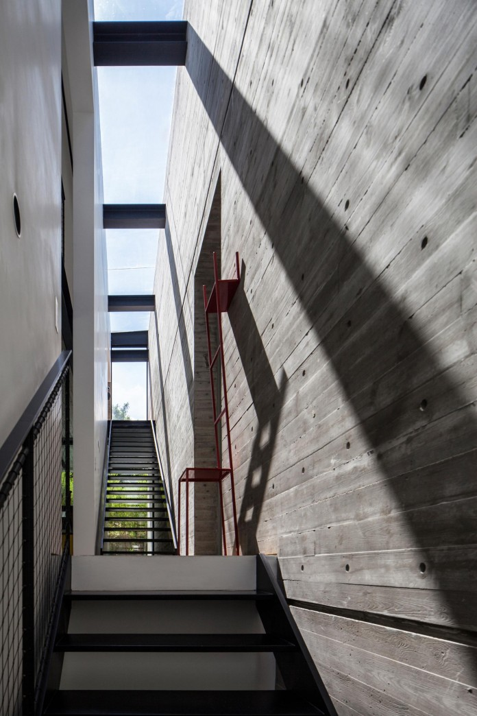 SB-House-by-Pitsou-Kedem-Architects-20