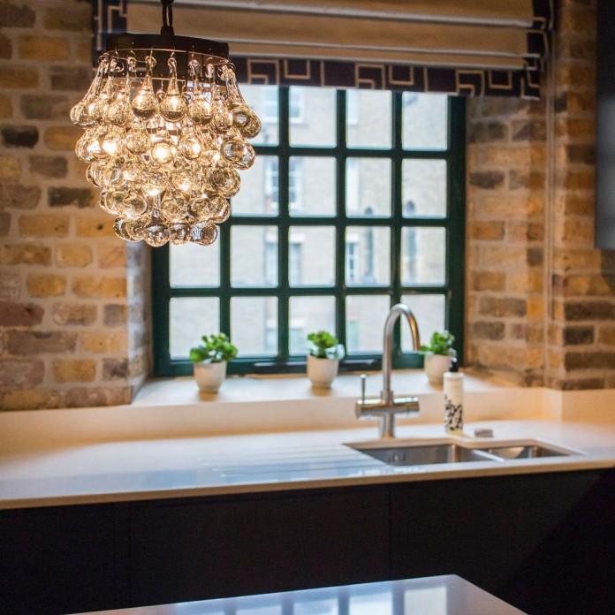Shad-Thames-Warehouse-Apartment-by-Maisha-Design-06