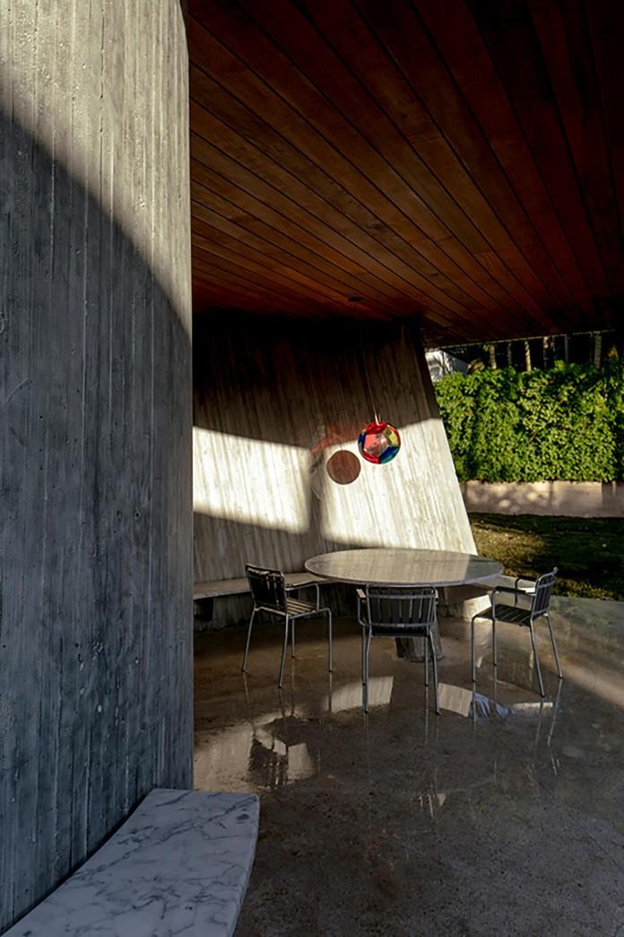 Sun-Path-House-by-Christian-Wassmann-13
