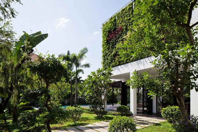 Thao-Dien-Villa-by-MM-++-Architects-07
