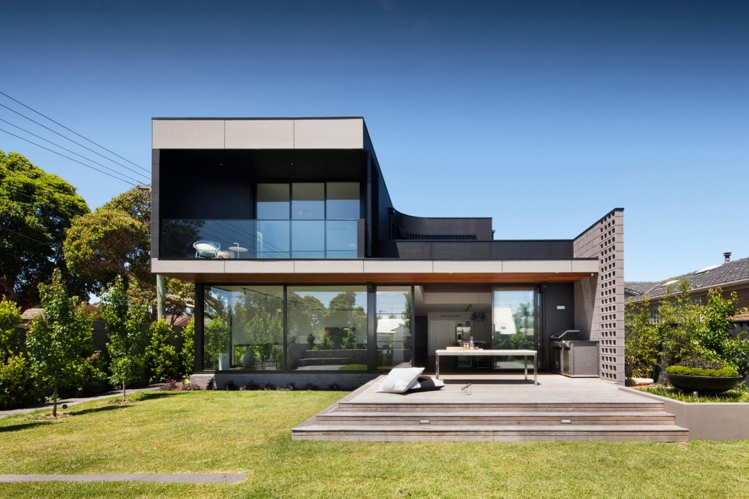 The corner residence by bower architecture caandesign for Maison container avis