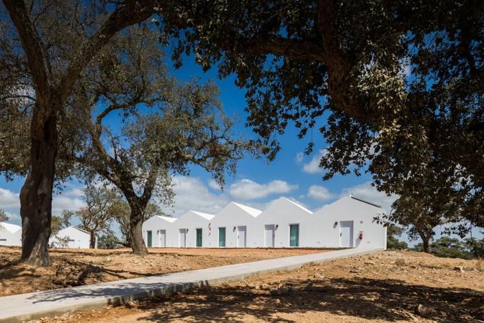 Vale-das-Sobreiras-Hotel-by-Future-Architecture-Thinking-04