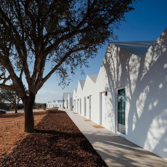 Vale-das-Sobreiras-Hotel-by-Future-Architecture-Thinking-06