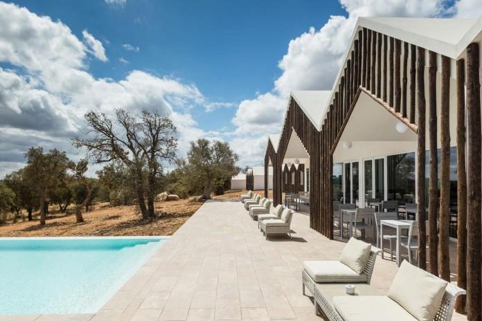 Vale-das-Sobreiras-Hotel-by-Future-Architecture-Thinking-10