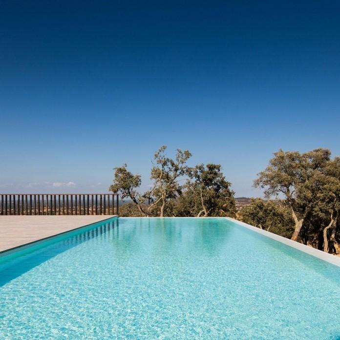 Vale-das-Sobreiras-Hotel-by-Future-Architecture-Thinking-11