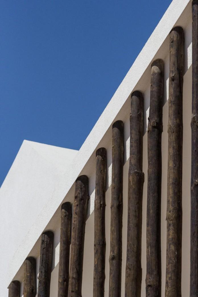Vale-das-Sobreiras-Hotel-by-Future-Architecture-Thinking-13