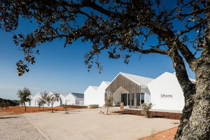Vale-das-Sobreiras-Hotel-by-Future-Architecture-Thinking-14