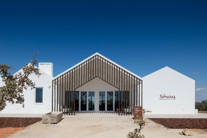 Vale-das-Sobreiras-Hotel-by-Future-Architecture-Thinking-15