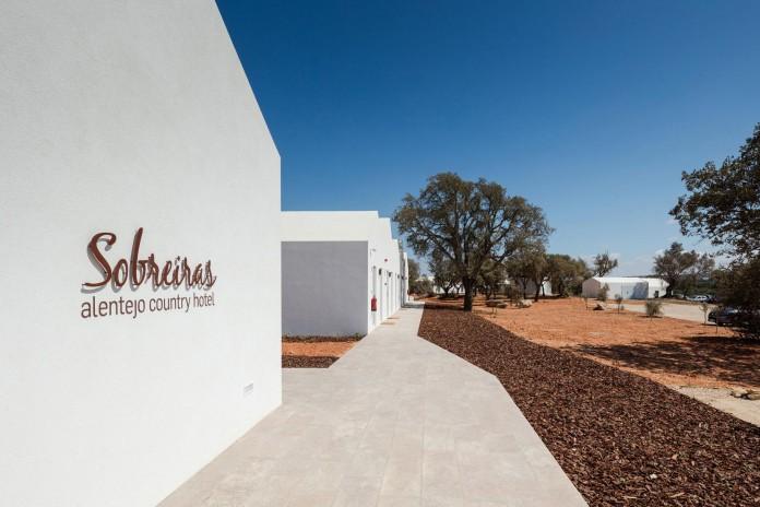 Vale-das-Sobreiras-Hotel-by-Future-Architecture-Thinking-16