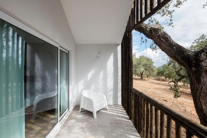 Vale-das-Sobreiras-Hotel-by-Future-Architecture-Thinking-17