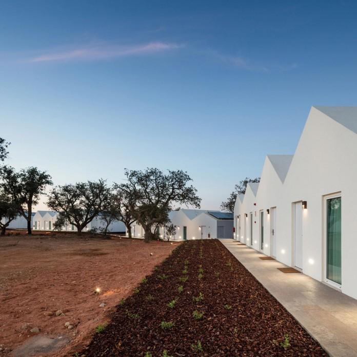 Vale-das-Sobreiras-Hotel-by-Future-Architecture-Thinking-28