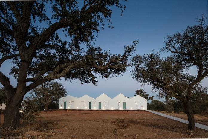 Vale-das-Sobreiras-Hotel-by-Future-Architecture-Thinking-29
