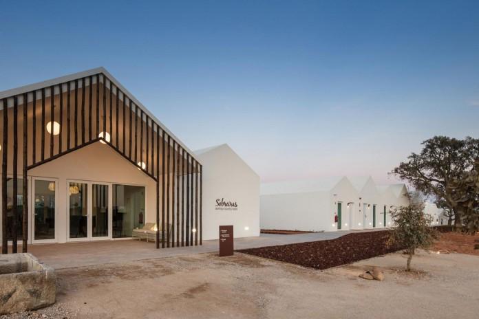 Vale-das-Sobreiras-Hotel-by-Future-Architecture-Thinking-30