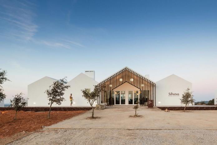 Vale-das-Sobreiras-Hotel-by-Future-Architecture-Thinking-31