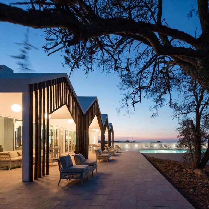 Vale-das-Sobreiras-Hotel-by-Future-Architecture-Thinking-33